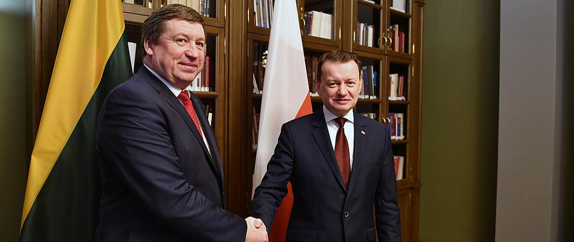 Handshake of the Defence Ministers of Poland and Lithuania in Vilnius