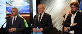 minister środowiska Henryk Kowalczyk, minister cyfryzacji Marek Zagórski i prezes Narodowego Funduszu Ochrony Środowiska i Gospodarki Wodnej Piotr Woźny
