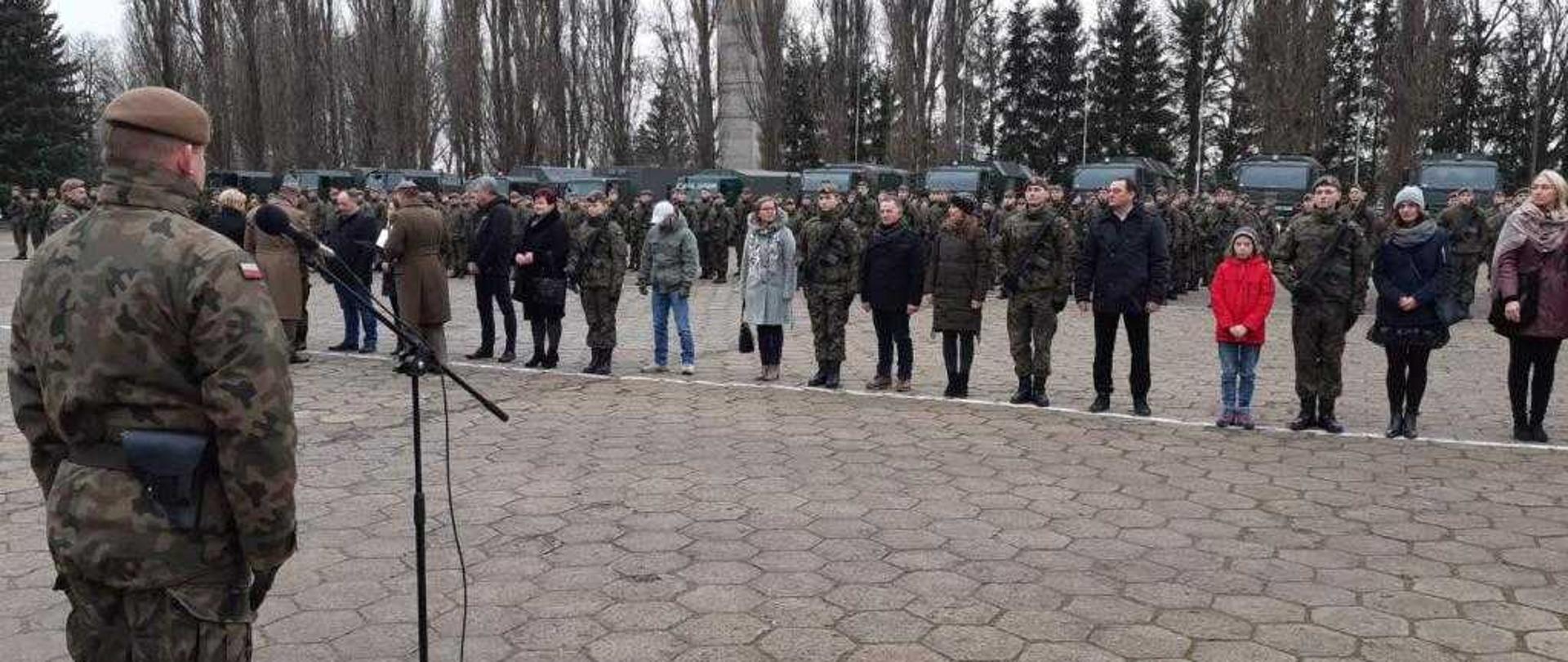 Żołnierze 5. Mazowieckiej Brygady Obrony Terytorialnej złożyli ostatnią w tym roku przysięgę.