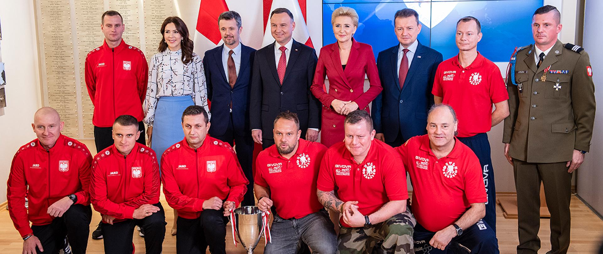 Dannish princely couple and Polish presidential couple and Defence Minister M. Błaszczak with Polish and Dannish veterans