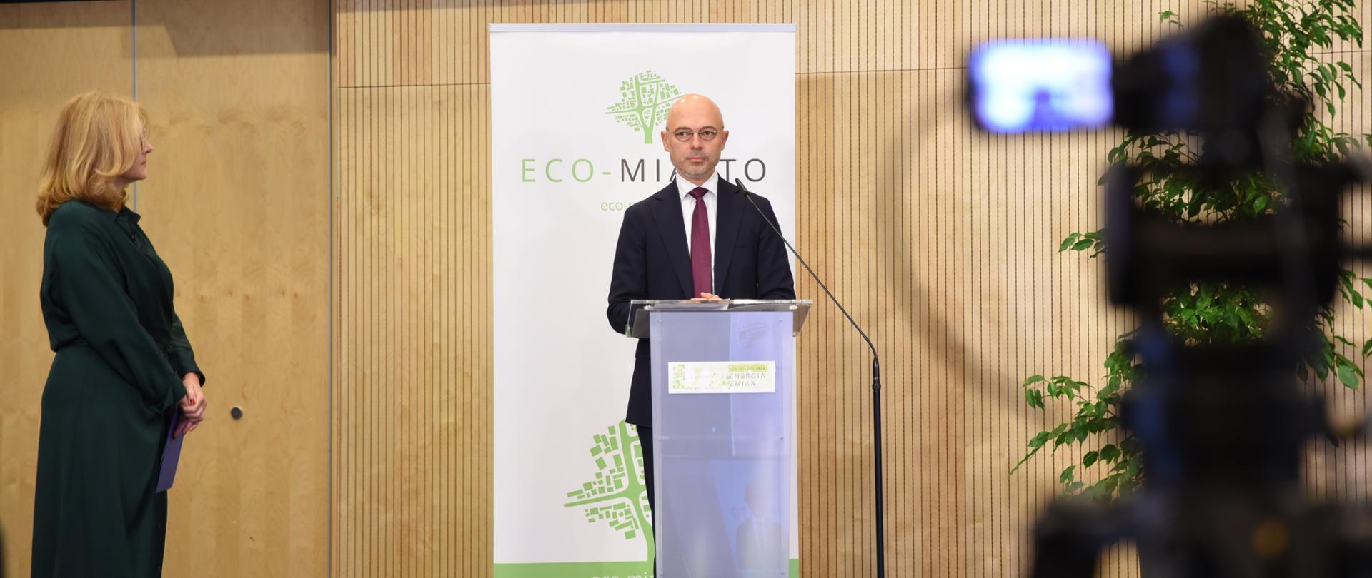 Minister klimatu Michał Kurtyka na konferencji Eco-Miasto